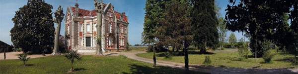 Pano-chateau-600x150